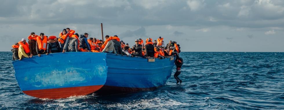 MSF acusa guarda costeira líbia de colocar vidas em risco durante resgate no Mediterrâneo