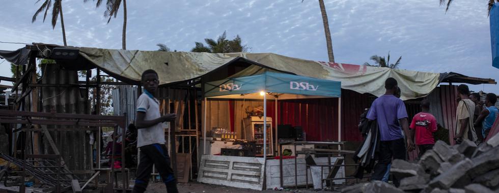 """""""Não podemos abandoná-los"""": tratando HIV em uma cidade devastada pelo ciclone"""