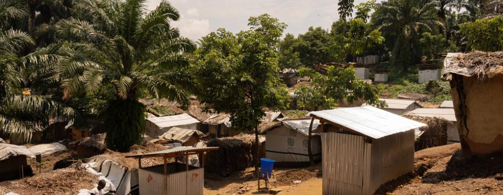 Seção do sítio de deslocados em Ugudo Zii, zona sanitária de Angumu. Foto por: Gabriele François Casini / MSF