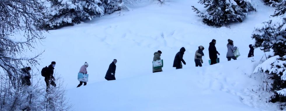 Abandonados nas fronteiras: histórias de pessoas em movimento no inverno no norte da Itália