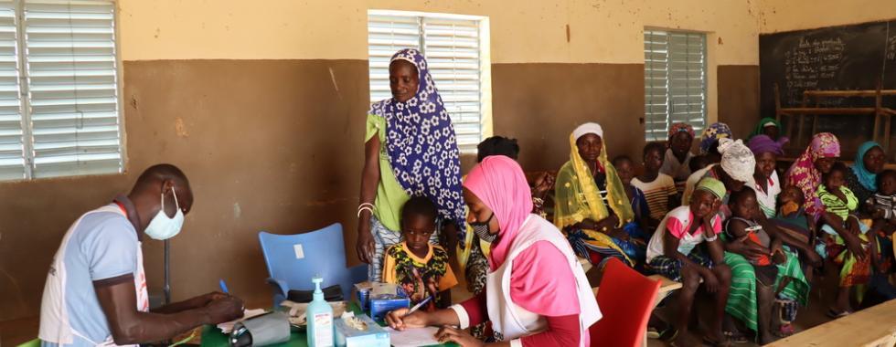 Burkina Faso: prestando cuidados de saúde em uma região devastada pela violência Burkina Faso: prestando cuidados de saúde em uma região devastada pela violência