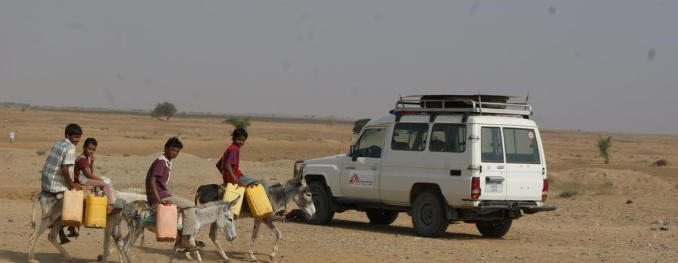 """Iêmen: """"Algumas mulheres grávidas e crianças doentes chegam tão tarde ao hospital que não podemos salvar suas vidas"""""""