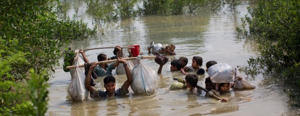 """Rohingyas em Bangladesh: """"As pessoas mal conseguem sobreviver"""""""