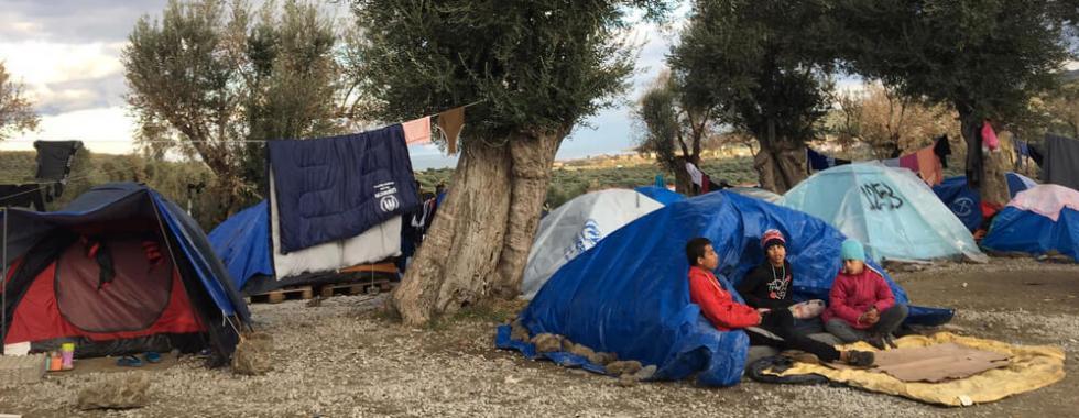 Ilhas gregas: famílias à beira de uma emergência humanitária