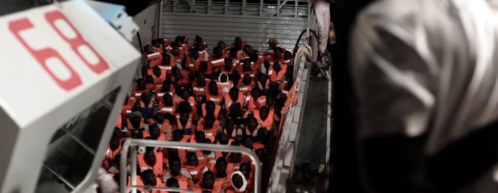 Leia o relato da situação a bordo do navio Aquarius no Mediterrâneo