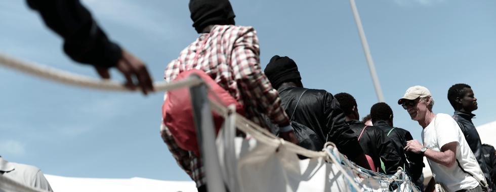 Mais de 600 pessoas resgatadas à deriva no limbo político da Europa