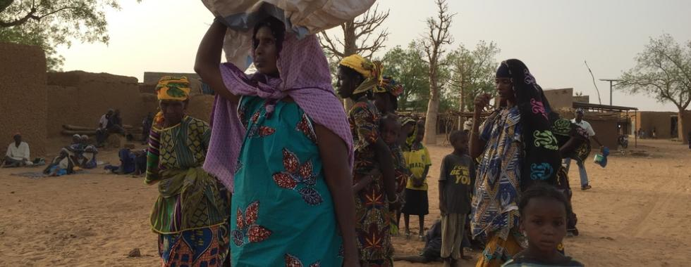 Mali: deslocados enfrentam condições precárias em Bamaco