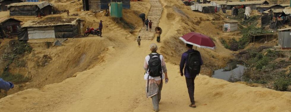 """Ser rohingya em Bangladesh: """"eu chorei a noite toda"""""""