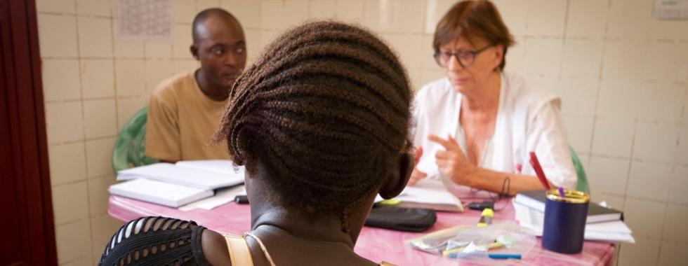 Em Bangui, abortos inseguros se tornaram uma emergência