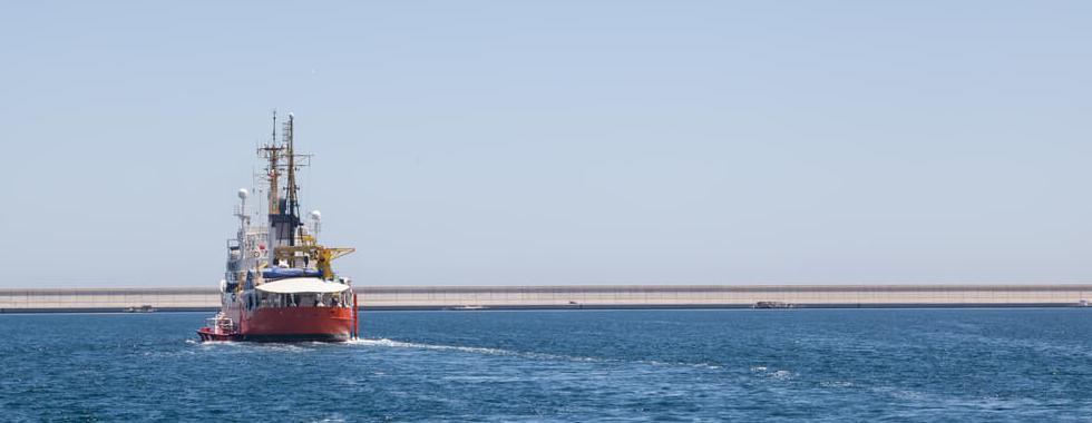 Navio de busca e salvamento Aquarius é autorizado a aportar em Malta