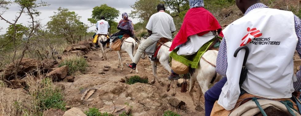 Vacinação urgente contra o sarampo e campanha de tratamento em Jebel Marra, Darfur do Sul