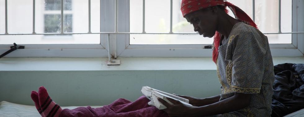 MSF destaca a relevância do uso dos dois novos medicamentos para o tratamento das cepas resistentes a medicamentos da doença na Suazilândia