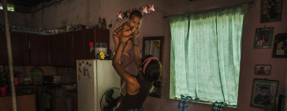 """Dia da Mulher Negra Latino-Americana e Caribenha: """"meu maior sonho é ser capaz de sustentar meu filho e minha avó"""""""