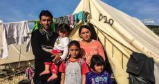 """Família refugiada na Europa: """"Fomos tratados como cachorros"""""""
