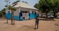 Guiné-Bissau: tratando a pequena Aua
