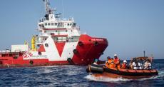 MSF suspende atividades de navio de busca e salvamento.
