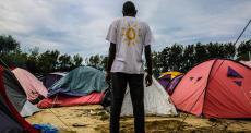 """Ser sudanês em acampamento em Calais, França: """"Saímos de um inferno para chegar a outro"""""""
