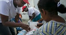 Equipes de MSF estão oferecendo apoio psicossocial e logístico às famílias afetadas pelo terremoto