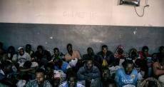 Pessoas retidas no país sofrem maus tratos e enfrentam condições desumanas.