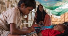 Crise dos refugiados rohingyas: 12 meses em fotos