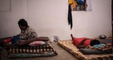 Líbia: refugiados e migrantes presos em Trípoli são feridos em tiroteio