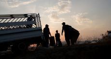 Fluxo maciço de vítimas de bombardeios no noroeste da Síria