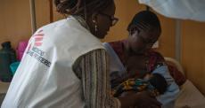 Quênia: instalação de saúde em contêiner oferece cuidados materno-infantis