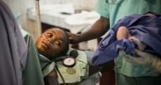 Medida sugere checagem de identificação para todos que usam o serviço público de saúde; política deve dificultar o acesso de pessoas vulneráveis a cuidados médicos
