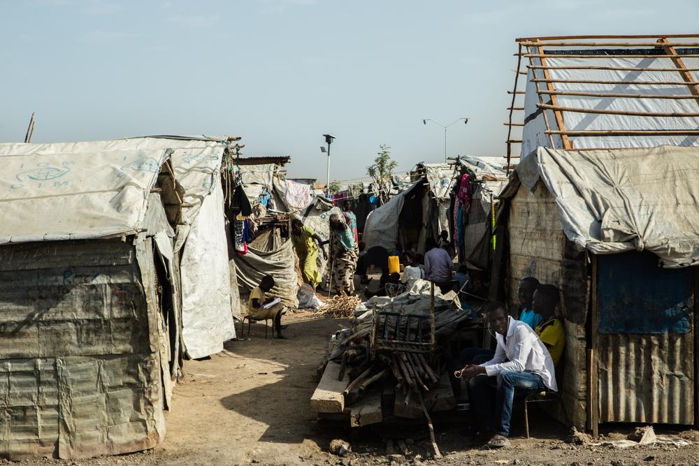 Condições de proteção de deslocados: a vida dentro e fora de um campo