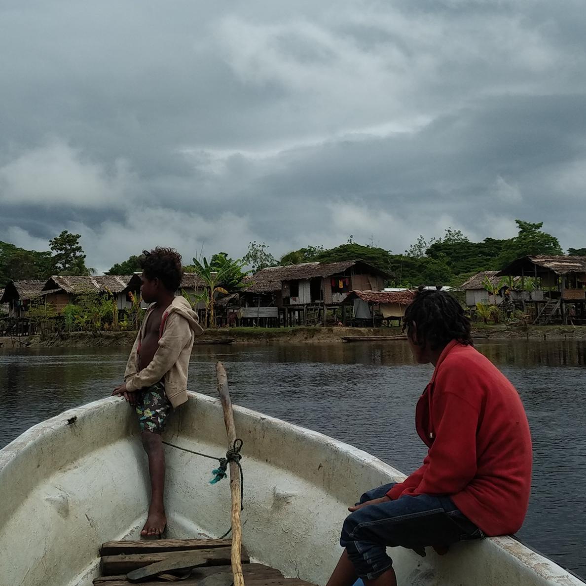 Papua-Nova Guiné: levando a cura pelo curso das águas